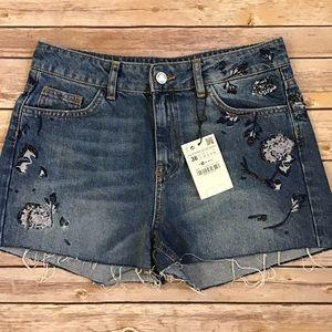 {Zara} Embroidered Denim Jean Shorts Size 4 NWT